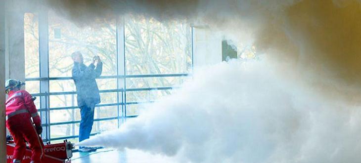 Vysokotlaké simulátory reálného kouře FireFog